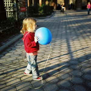 Blue-Balloon_byDD.Mollie